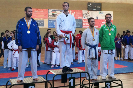 Bronze per a  Angel Blanco en kumite sénior